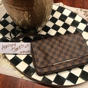 authentic Louis Vuitton Huxton mm